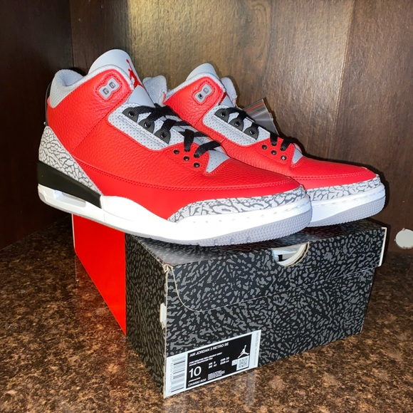Nike Men's Air Jordan 3 retro fire red size 10.5.